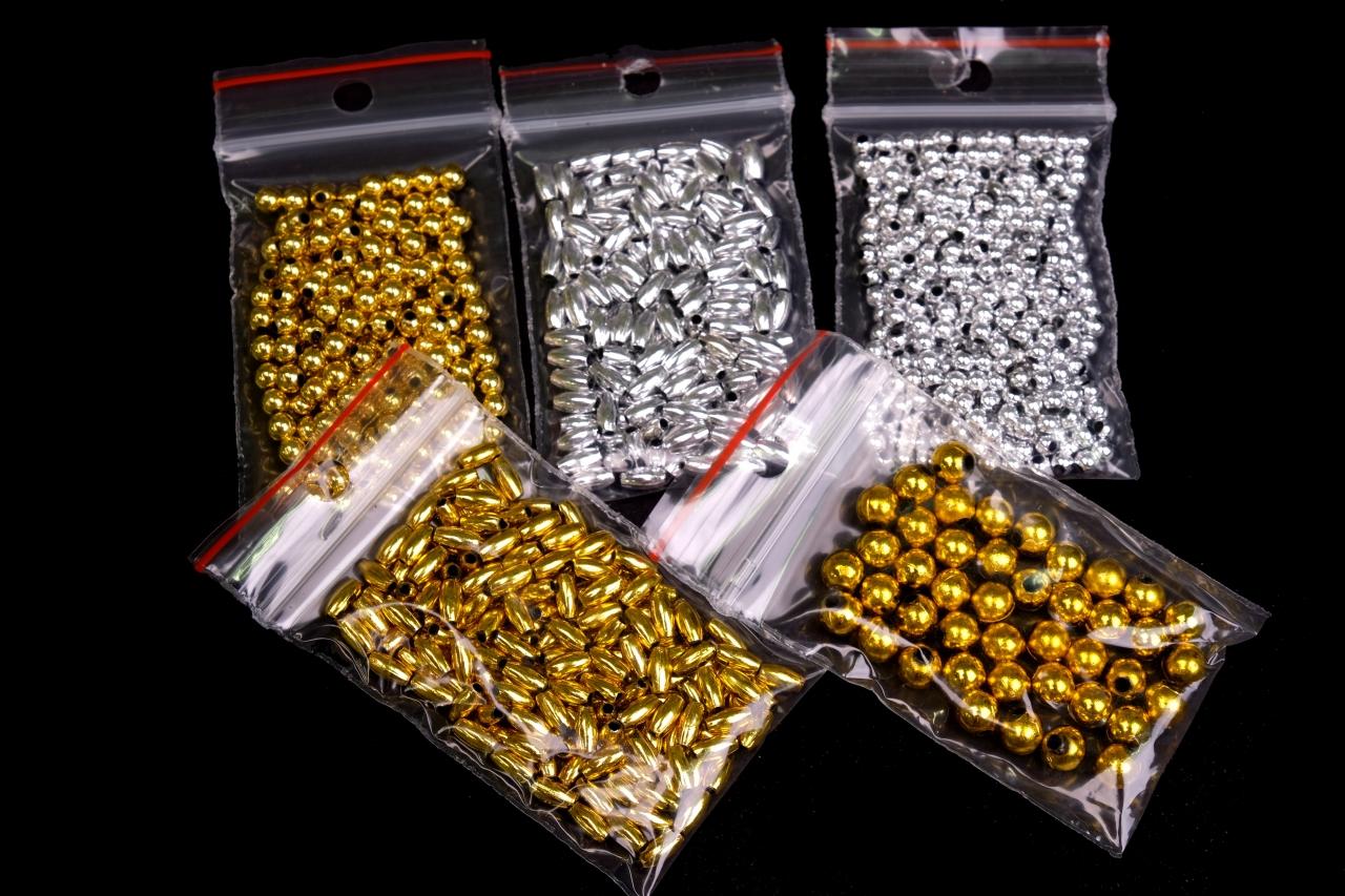 Korálky plastové Mix zlato,stříbro vel.3-8mm balení 5g
