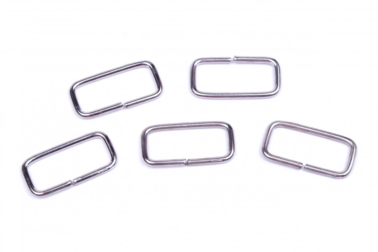 Průvlek kovový vnitřní průvlek 25mm nikl